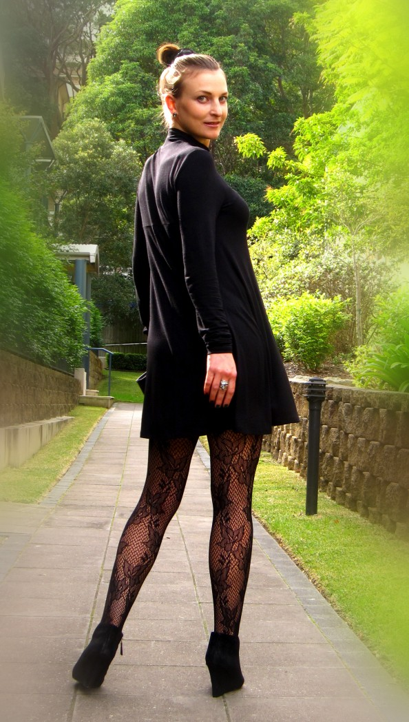 How to Wear Tights - Best Black Tights Winter Fashion