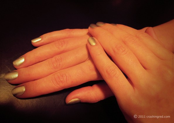 Sally Hansen, product review, quick color pen, quick manicure, silver nails, beauty blog, sydney, crashingred
