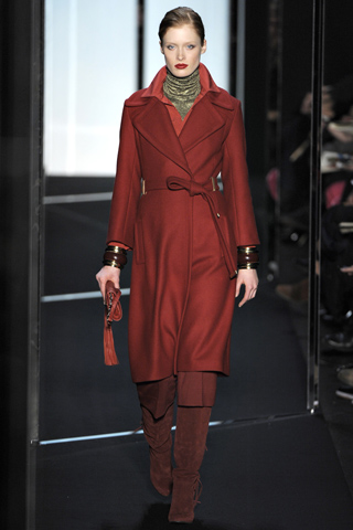 Diane Von frustenberg red coat, autumn 2011 style, paris fashion week, new season look, red from head to toe