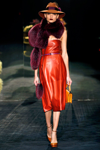 Gucci red leather dress fall 2011, paris fashion week, fur, new season style