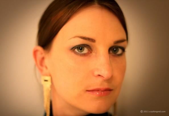 Jade eyeshadows makeup, gold and green, new season makeup trend, smokey eye, long golden earrings, sydney beauty blog