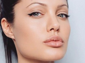 angelina_jolie_big lips