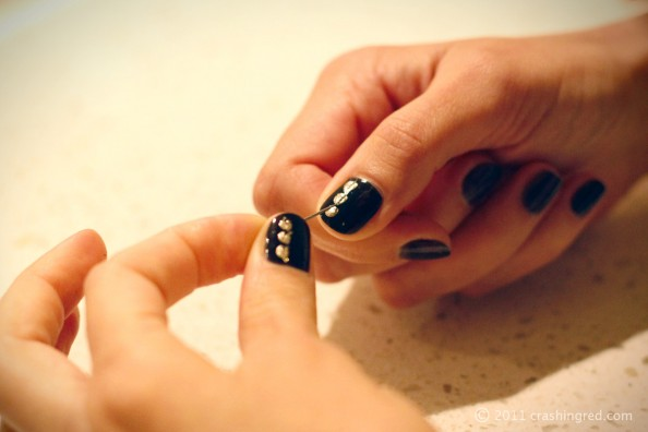 DIY nails, gold and black, statement nails, easy, fashion blog