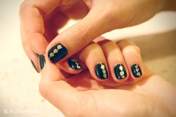 DIY nails, gold and black,statement nail, easy how to, beauty blog