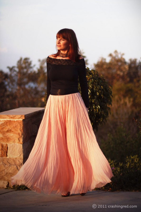evening fashion, maxi skirt witchery, open black top, chocker DIY, dressing up summer 2012 fashion blog