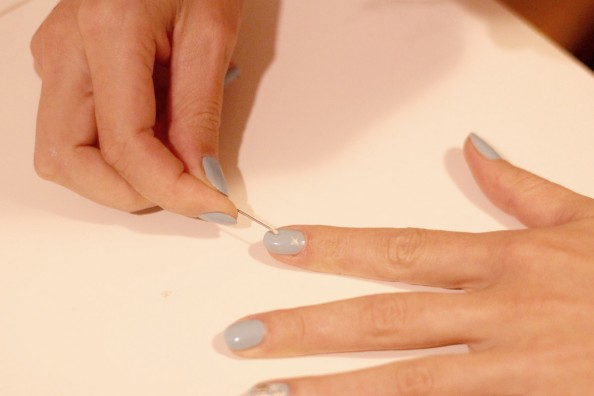 christmas nails manicure how to, diy nails, blue and silver nail polish, sydney fashion blog