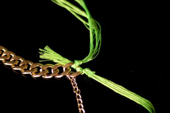 diy neon rope necklace, diy woven, gold chain necklace, fashion blog sydney, tutorial how to do neon rope necklace