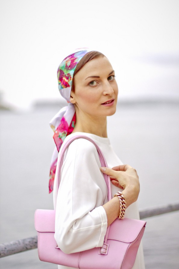 how to wear a headscarf, white and pink, fashion 2012