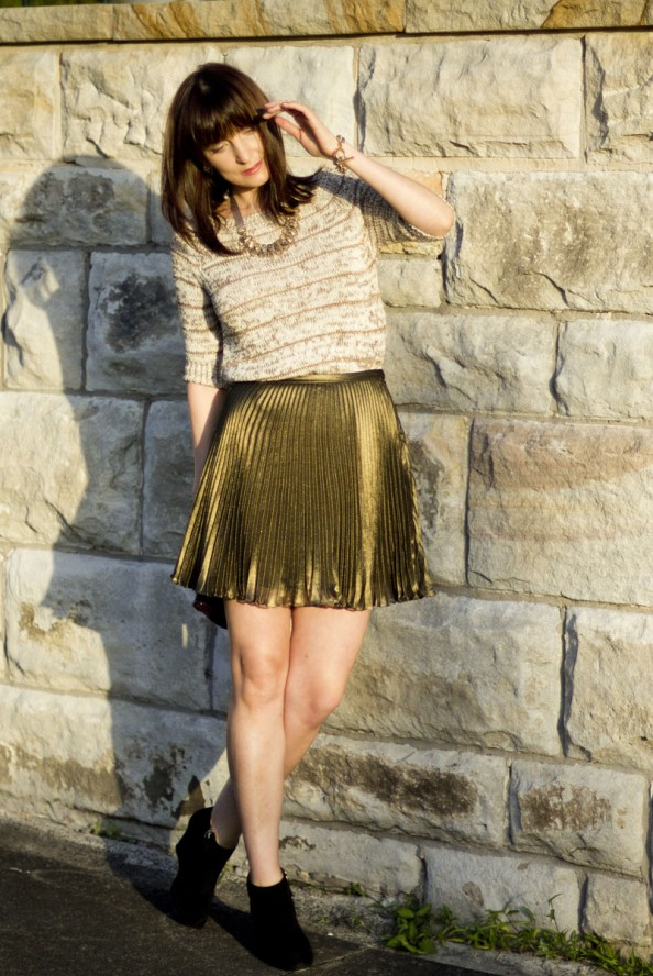zara knit, pleated skirt, how to wear pleated skirt, gold and black, feminine outfit, chic style for summer, sydney blog