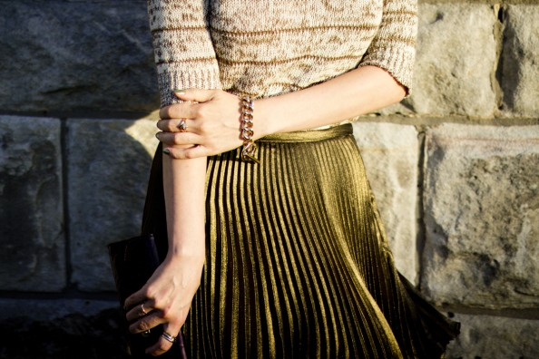 zara knit, thurley pleated skirt, how to wear pleated skirt, gold and blck, chic style, sydney fashion blog