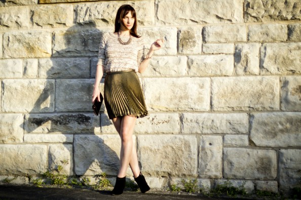 zara knit, thurley pleated skirt, statemtn necklace, how to wear pleated skirt, gold and black, chic style for a dinner out, sydney fashion blog