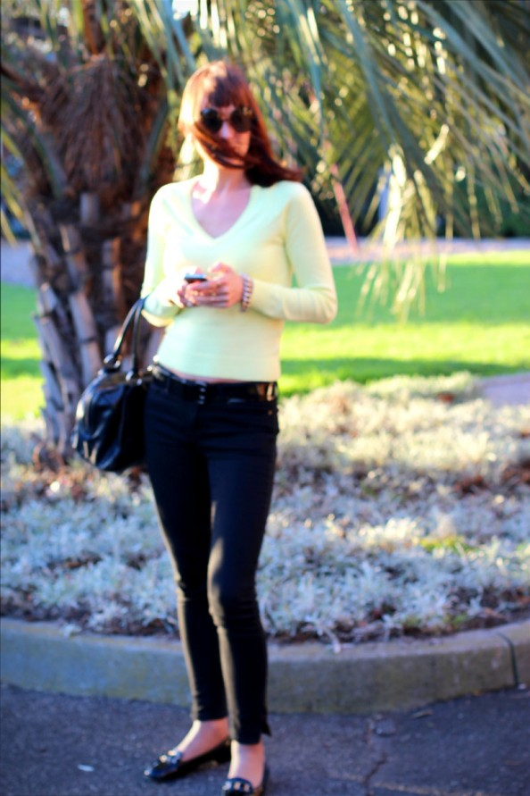 yellow jumper, black jeans, karen walker sunnies, sydney fashion blogger
