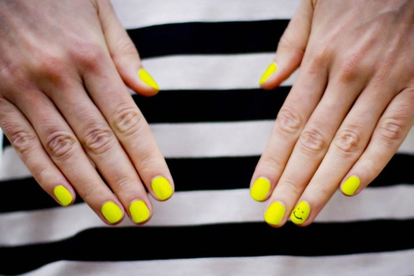 neon nail art, neon yellow, beauty blog Sydney