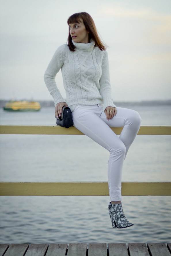 winter fashion trend, white on white, printed leather, chic casual style for women, sydney style blog, by the ocean, photo
