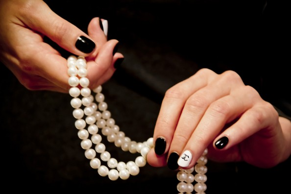 Chanel inspired easy nail art