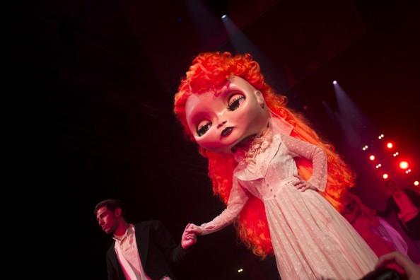 giant blythe dolls dance hair expo 2012
