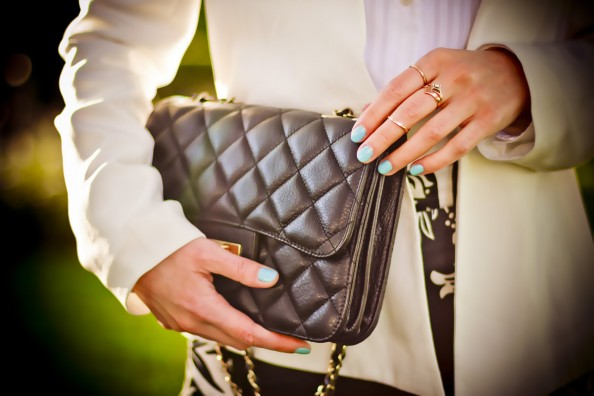 blue nails and classic chanel bag