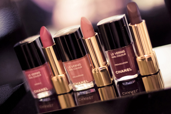 Les Twin-Sets de Chanel for Vogue Fashion's Night Out
