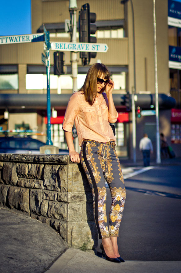 maurie and eve statement printed pants
