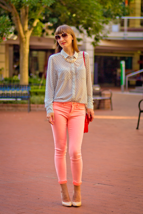 polka dot shirt, coral jeans, casual chic outfit