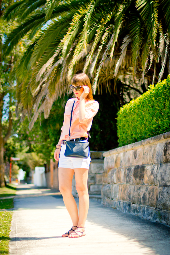 summer outfit, witchery shorts, witchery blouse