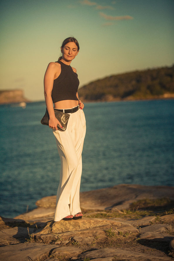 summer outfit white pants black cropped top