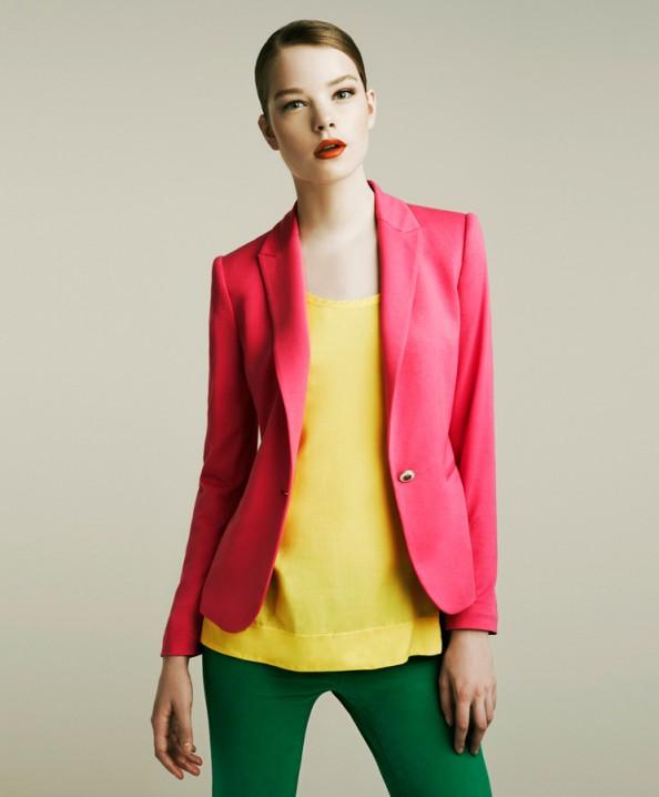 Zara, pink jacket, green jeans, color blocking, new fashion trend for 2011, fashion blog, Crashingred