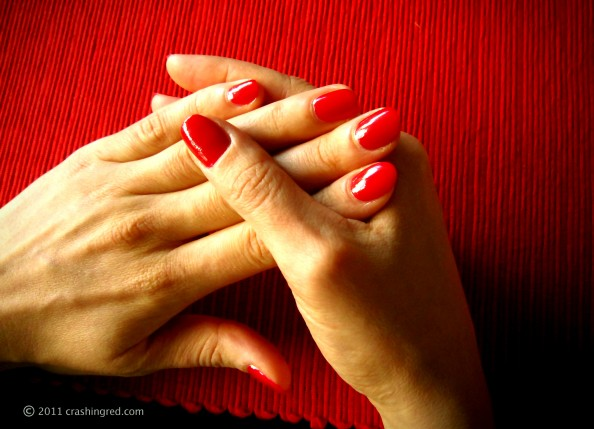 Insta dri Sally hansen fast dry nail polish drops,red nails, flawless manicure, product review, beauty blog, crashingred