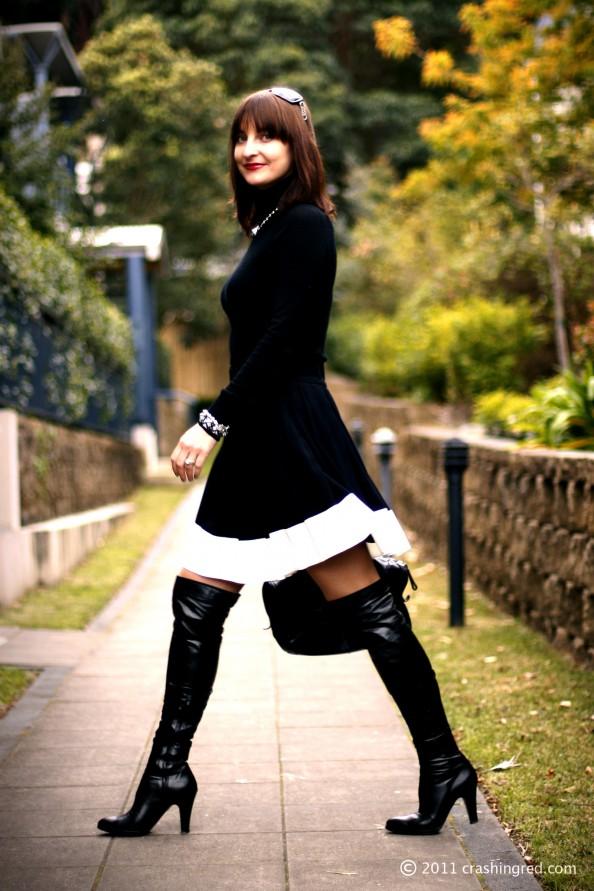 Marusya V, fashion blogger Australia, autumn style, minimalist, black and white
