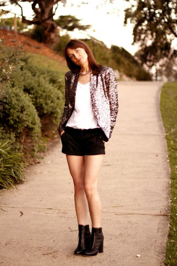 Gold sequinned blazer Zara, how to wear, summer fashion trend, sydney fashion blog