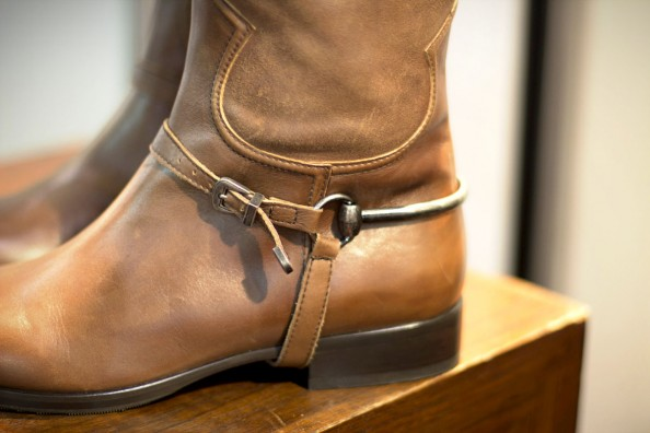 Estilo Emporio, tan leather cowboy boots, sydney