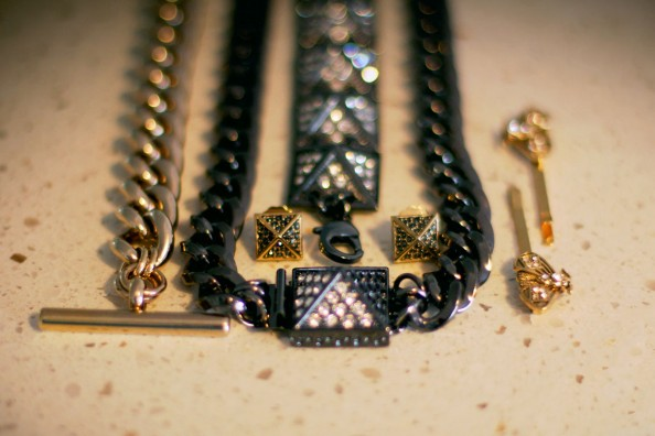 acessoiries, golden chains, gold chunky chain bracelet, gun metal chunky chain, sydney fashion blog