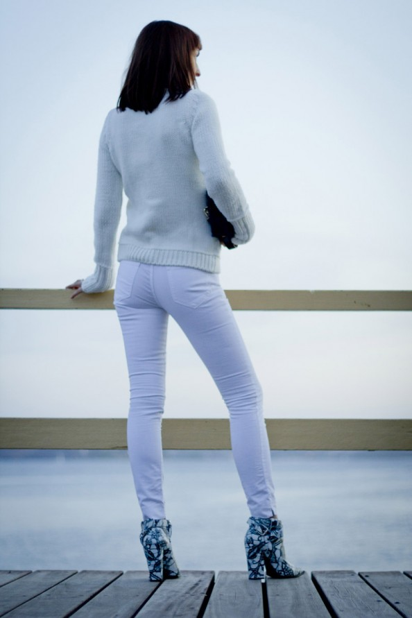 winter fashion trend, white on white, back view, oversized knit with high turtle neck, by the ocean, Australian fashion blog