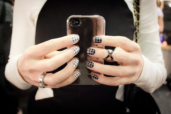 fashion nails, black and white nails