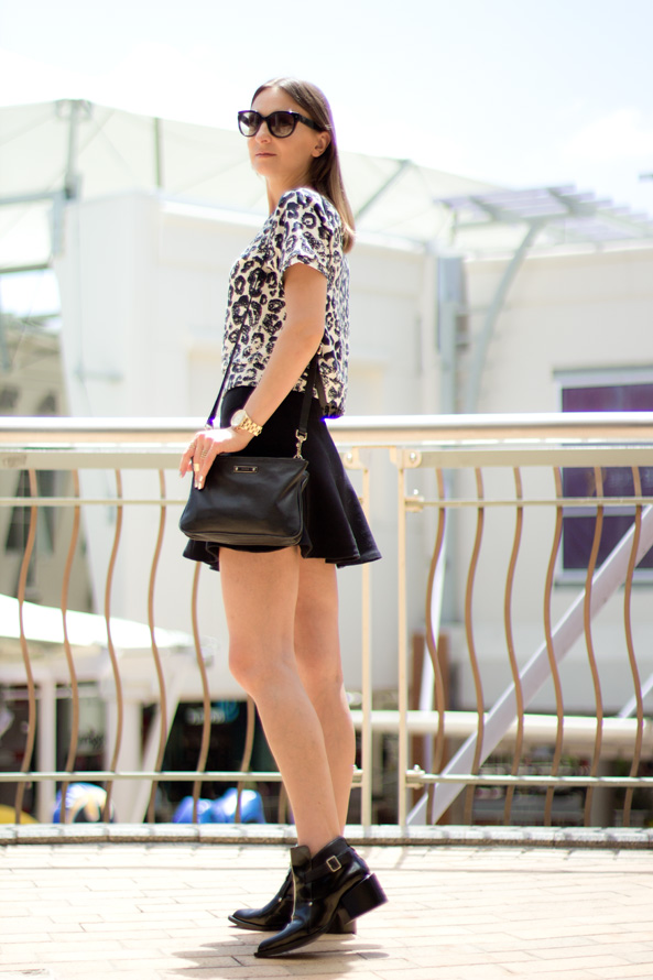flared skirt outfit