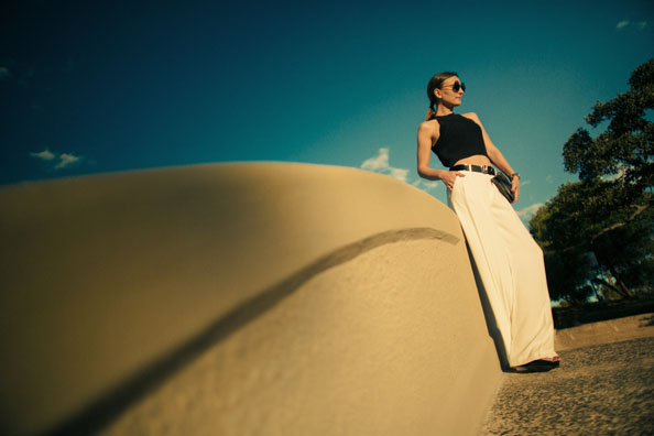 wide leg white pants outfit